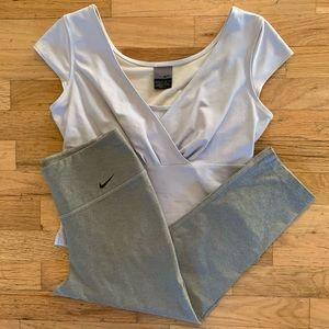 Nike sportswear: cropped leggings & surplice top